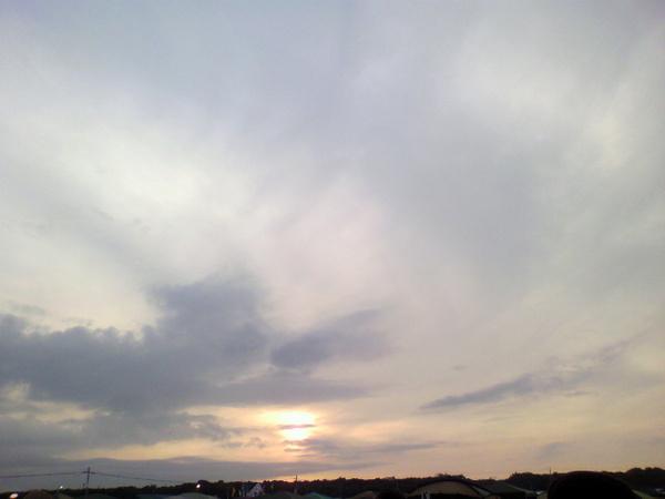 @emit_efil: 太陽さん、アジカンが演奏するまで暫しのお別れです。 #RSR10